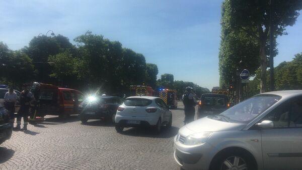 Policja prowadzi operację specjalną w centrum Paryża - Sputnik Polska