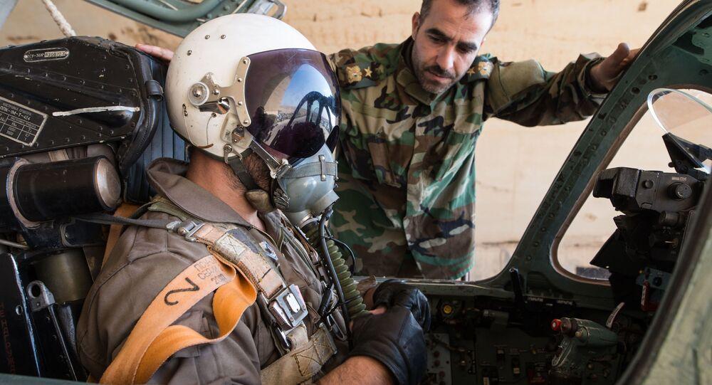 Pilot syryjskich sił powietrznych w bazie Sił Powietrznych Syrii w prowincji Homs
