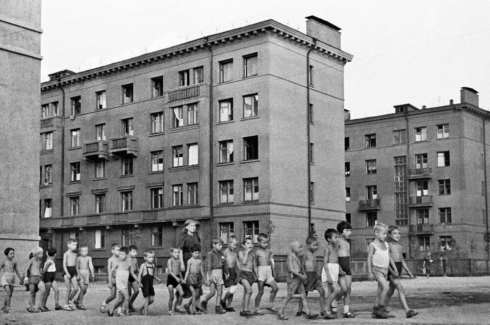 Dzieci na ulicach Moskwy, 23 czerwca 1941 r.