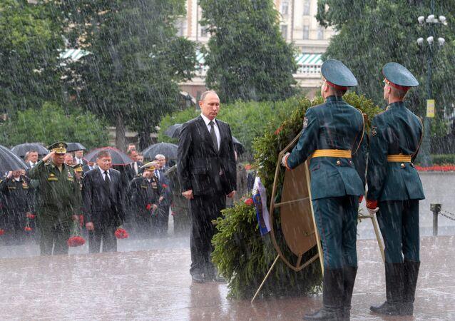 Rosjanie obchodzą Dzień Pamięci i Żalu