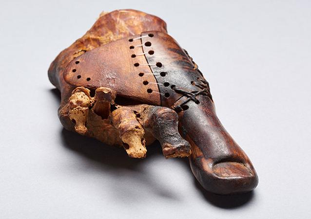 Proteza znaleziona w egipskim grobowcu