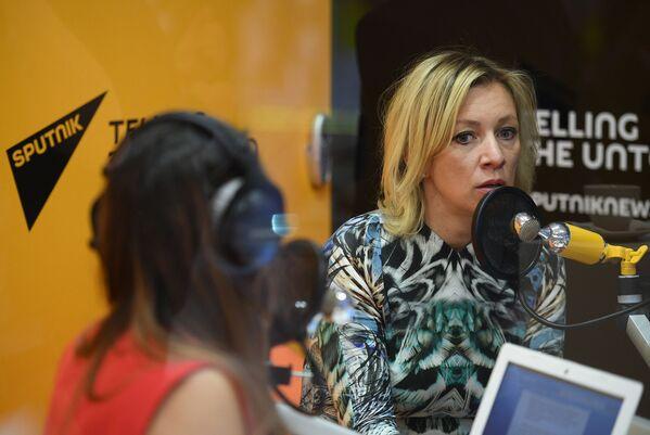Rzeczniczka MSZ Federacji Rosyjskiej Maria Zacharowa udziela wywiadu stacji radiowej Sputnik w trakcie Międzynarodowego Forum Ekonomicznego 2017 w Petersburgu. - Sputnik Polska