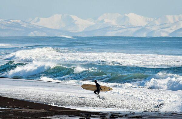 Jurij Smitiuk, Rosja, seria Zimowy surfing na rosyjskim wybrzeżu Oceanu Spokojnego - Sputnik Polska
