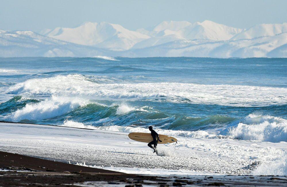 Jurij Smitiuk, Rosja, seria Zimowy surfing na rosyjskim wybrzeżu Oceanu Spokojnego