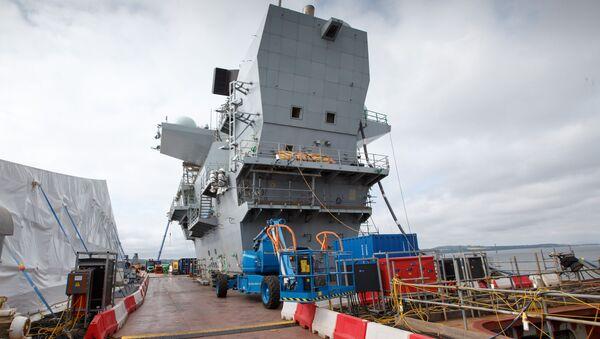 Największy okręt Królewskiej Marynarki Wojennej Wielkiej Brytanii Królowa Elżbieta - Sputnik Polska