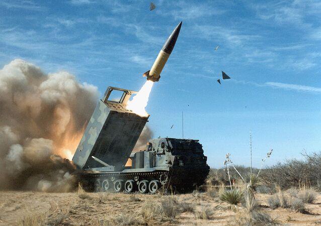 Operacyjno-taktyczny system rakietowy amerykańskiej produkcji Lockheed Martin  z rakietą balistyczną MGM-140 ATACMS
