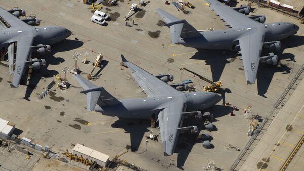 Samolot C-17 Sił Powietrznych USA - Sputnik Polska