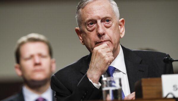 Sekretarz obrony USA James Mattis - Sputnik Polska