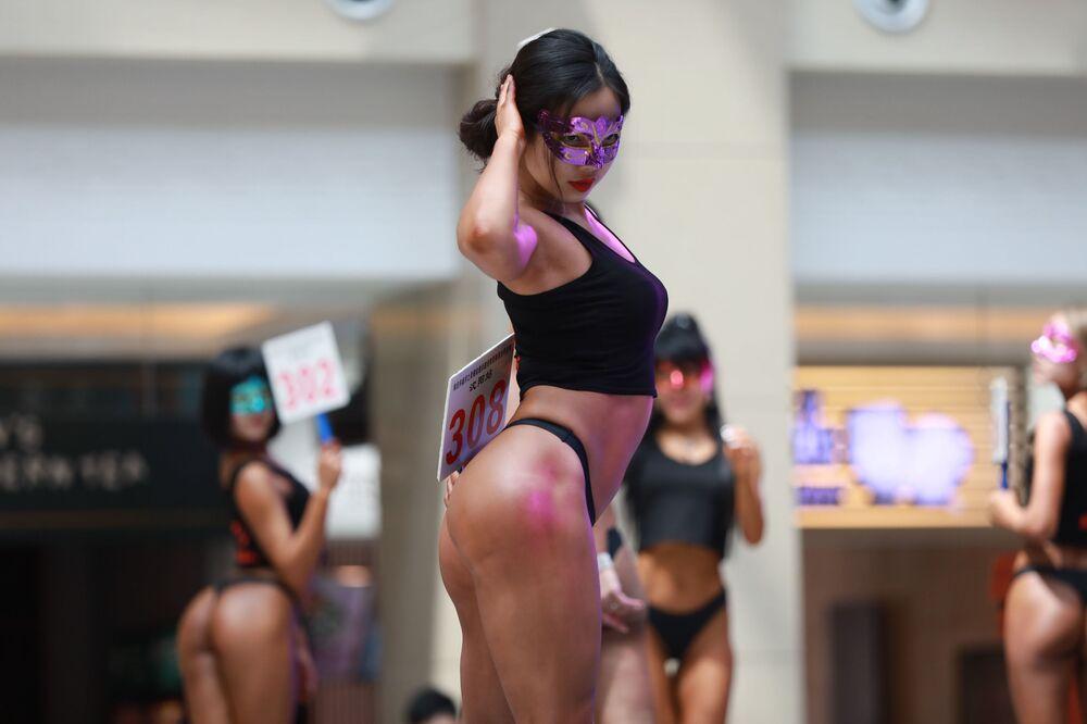 Uczestniczka konkursu Women's Beautiful Buttock series w Chinach