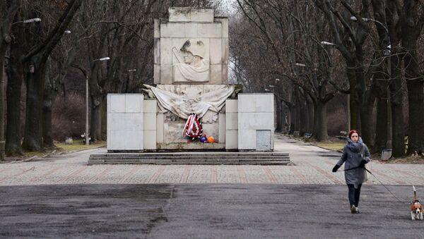 Pomnik wdzięczności Armii Czerwonej w Warszawie - Sputnik Polska