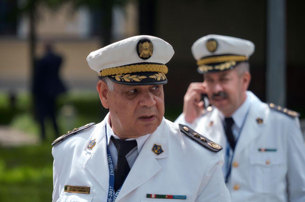 Goście Międzynarodowego Salonu Morskiej Techniki Wojskowej w Sankt Petersburgu