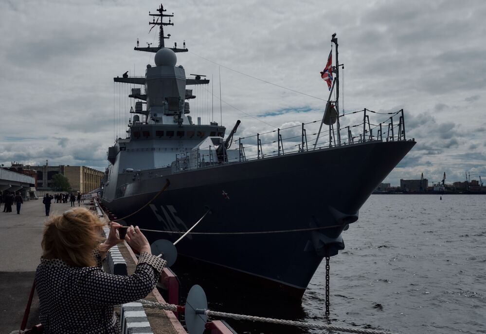 """Korweta """"Stojkij"""" projektu 20380 na Międzynarodowym Salonie Morskiej Techniki Wojskowej w Sankt Petersburgu"""