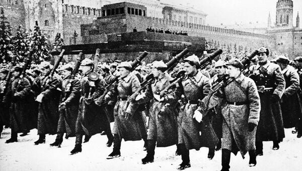 Parada Zwycięstwa na Placu Czerwonym, 1941 rok - Sputnik Polska