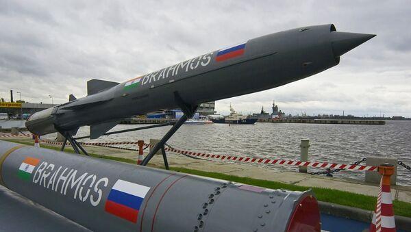 Rosyjsko-indyjski naddźwiękowy pocisk przeciwokrętowy BRAHMOS - Sputnik Polska