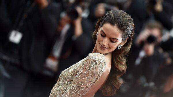 Modelka Izabel Goulart podczas 70. Międzynarodowego Festiwalu Filmowego w Cannes. - Sputnik Polska
