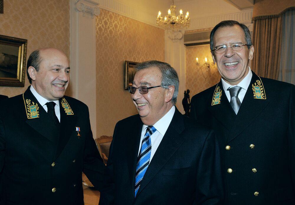 Eksministrowie Spraw Zagranicznych FR Igor Iwanow i Jewgienij Primakow i prezes MSZ Rosji Siergiej Ławrow