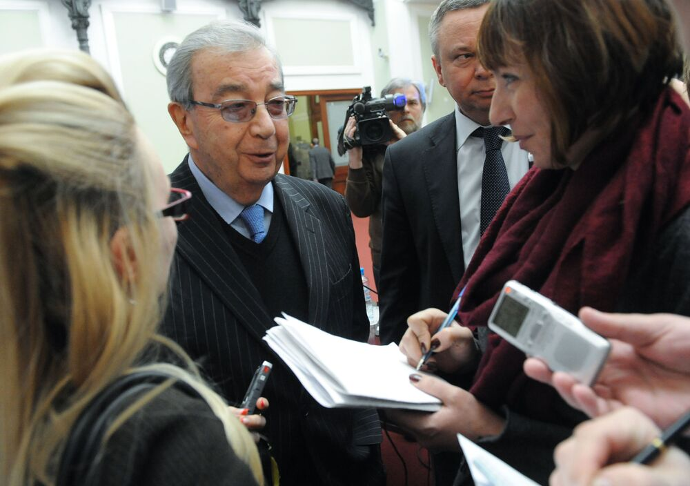 Prezes Izby Przemysłowo-Handlowej FR Jewgienij Primakow podczas konferencji prasowej
