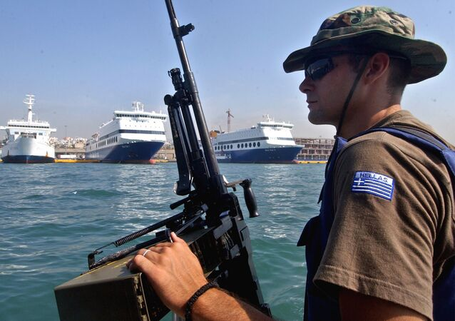 Funkcjonariusz straży brzegowej Grecji