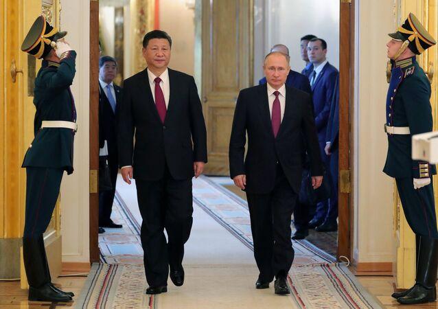 Prezydent Rosji Władimir Putin i Przewodniczący ChRL Xi Jinping