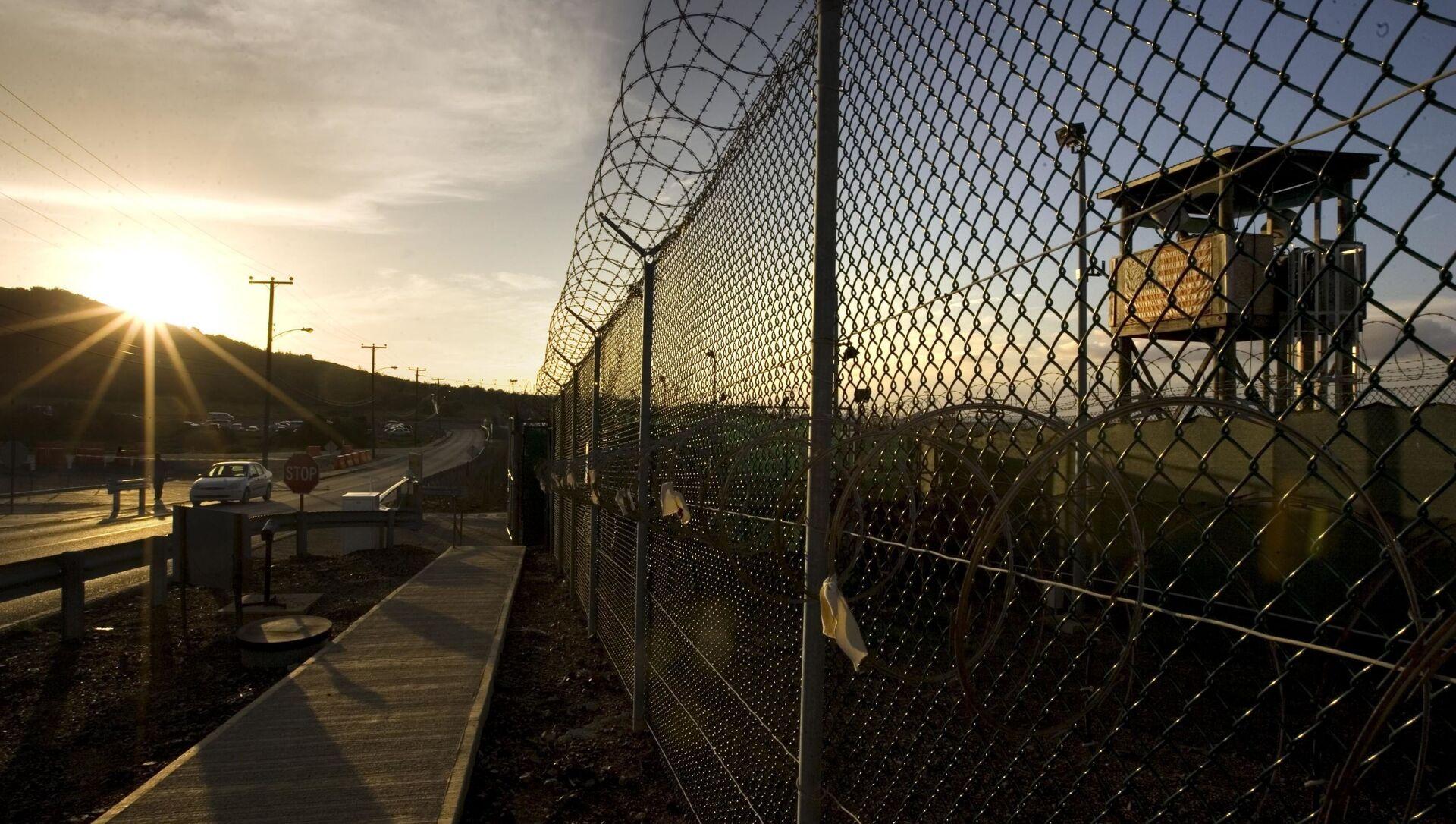 Ogrodzenie wokół obozu Delta na terytorium Guantanamo - Sputnik Polska, 1920, 05.04.2021