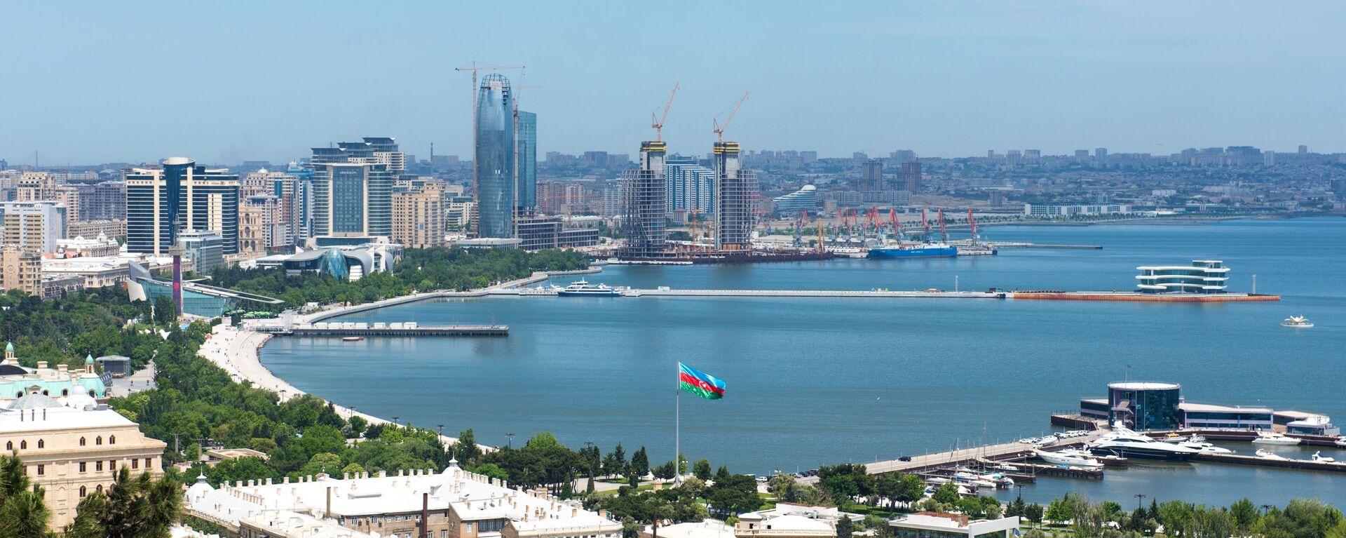 Panorama miasta Baku i Zatoki Bakijskiej na Morzu Kaspijskim - Sputnik Polska, 1920, 02.08.2021