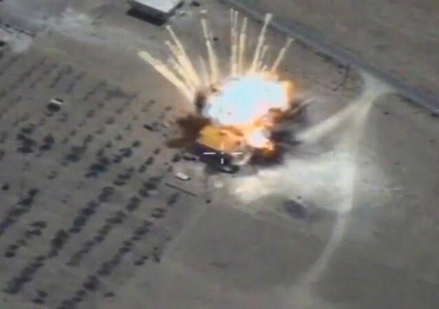 Rosyjskie pociski manewrujące niszczą obiekty terrorystów w Syrii