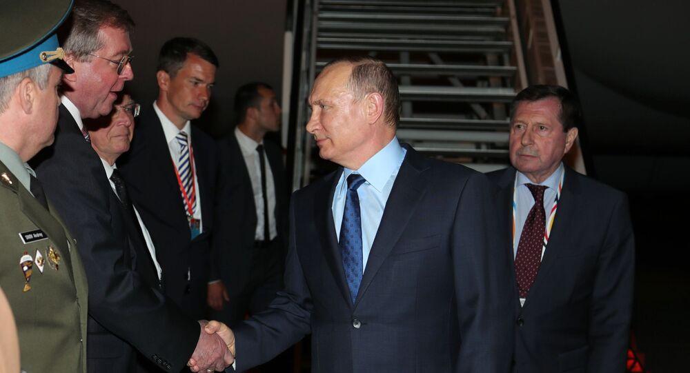Prezydent Rosji Władimir Putin na lotnisku w Hamburgu