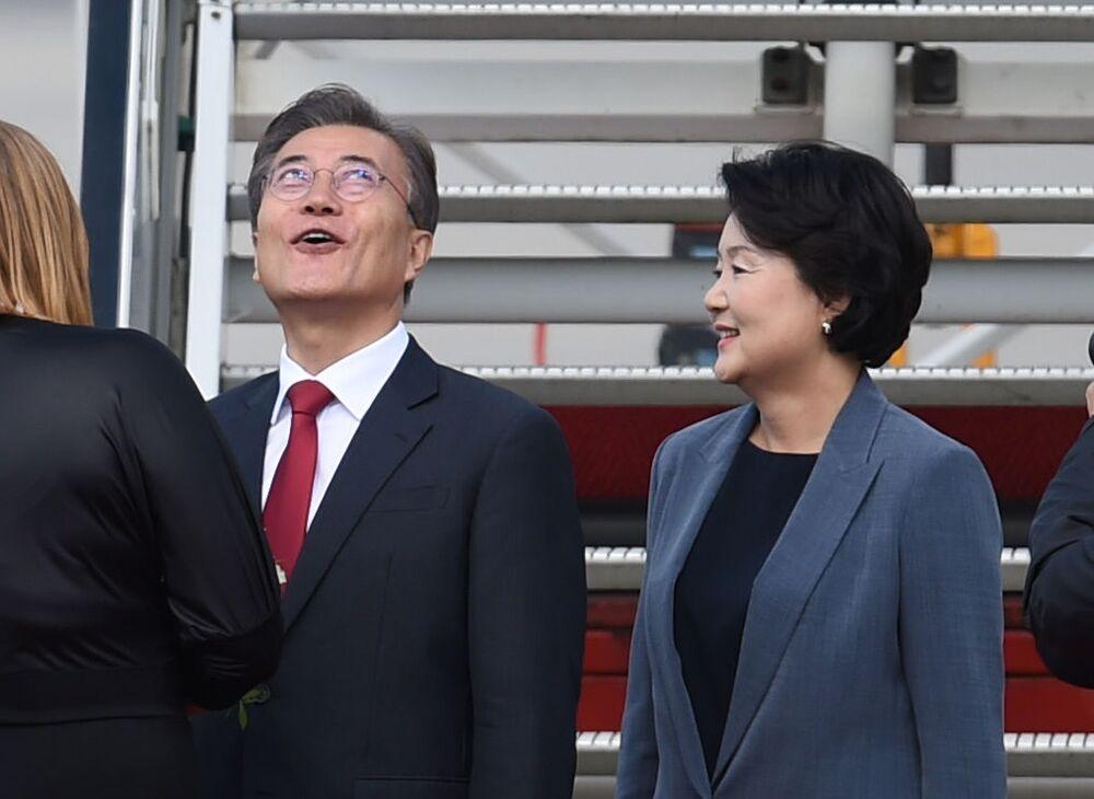 Prezydent Korei Południowej Moon Jae-In z żoną
