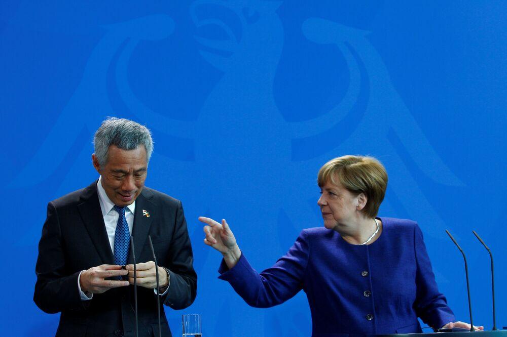 Premier Singapuru Lee Hsien Loong z kanclerzem Niemiec Angelą Merkel
