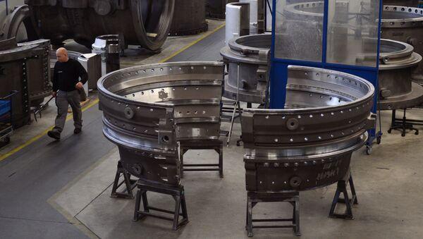 Hala produkcyjna w fabryce Siemensa w Berlinie - Sputnik Polska