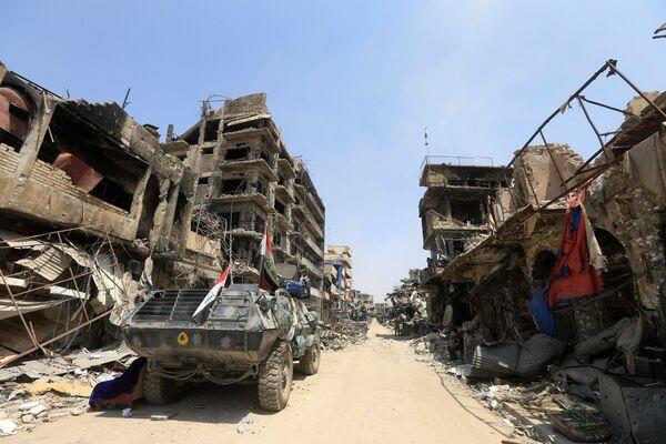 Opancerzony pojazd irackiej policji federalnej w Mosulu - Sputnik Polska