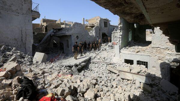 Iracka jednostka do zwalczania terroryzmu i wojska irackie w obrębie Starego Miasta Mosul - Sputnik Polska