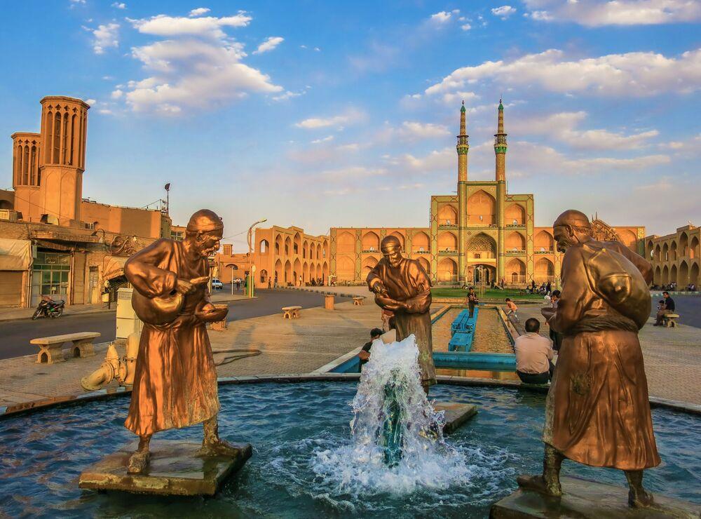 Kompleks Amir Chahmak w irańskim mieście Yazd w Iranie
