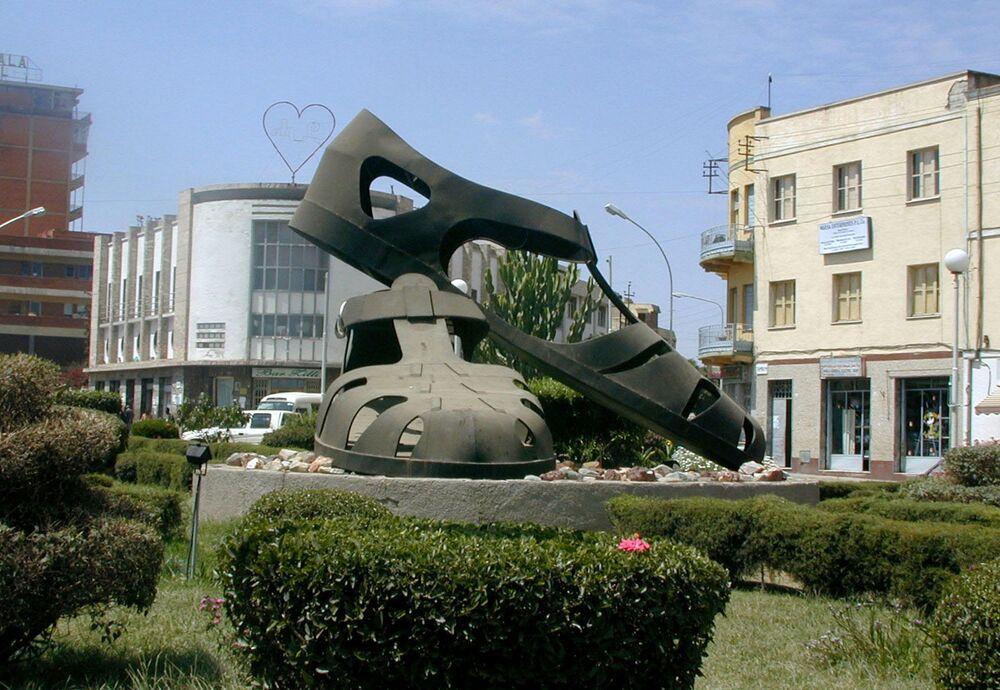 Rzeźba w centrum stolicy Erytrei,Asmara
