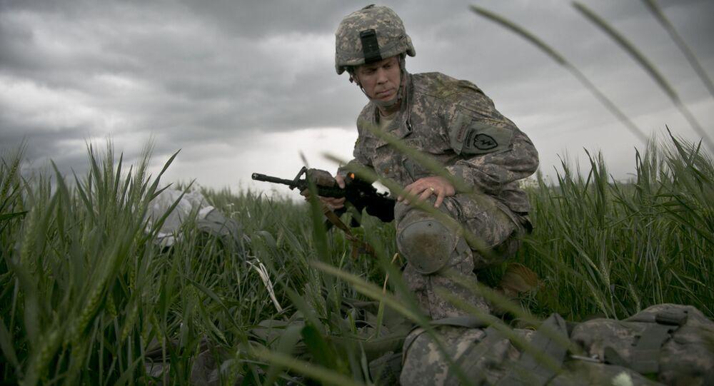 Amerykański desantowiec na ćwiczeniach NATO w Kosowie