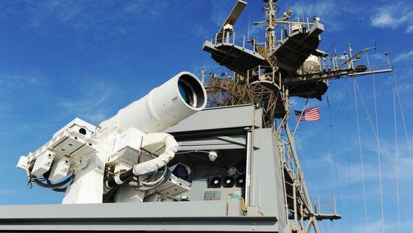 Działo laserowe zamontowane na pokładzie amerykańskiego okrętu USS Ponce - Sputnik Polska