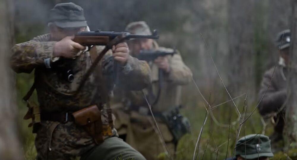 Kadr z filmu Leśni Bracia zrealizowanego przez dokumentalistów NATO