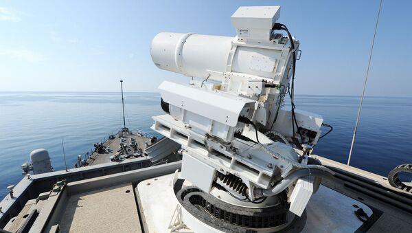 Laserowe działo umieszczone na pokładzie amerykańskiego okrętu USS Ponce - Sputnik Polska