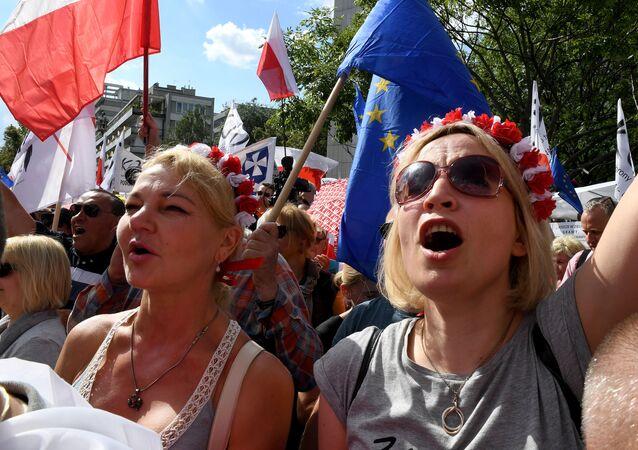Protesty przeciwko reformie sądownictwa w Warszawie