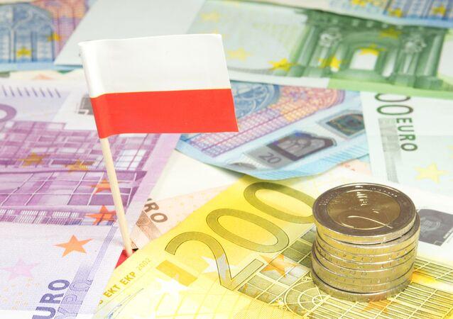 Komisja Europejska może ukarać Polskę grzywną w wysokości 300 tys. euro dziennie za naruszenie unijnych przepisów