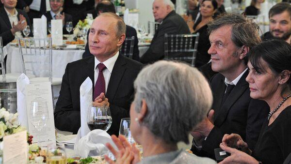 Władimir Putin i Emir Kusturica - Sputnik Polska
