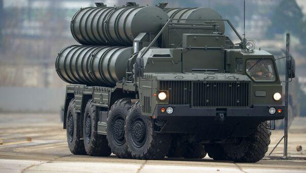 Wyrzutnia rakiet S-400 - Sputnik Polska
