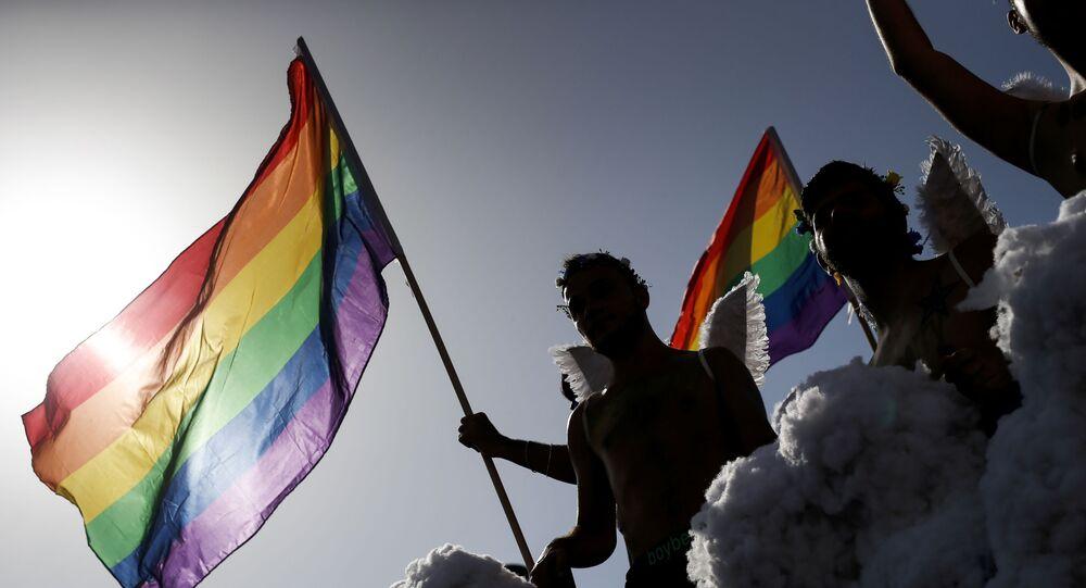 Uczestnicy parady LGBT w Hiszpanii