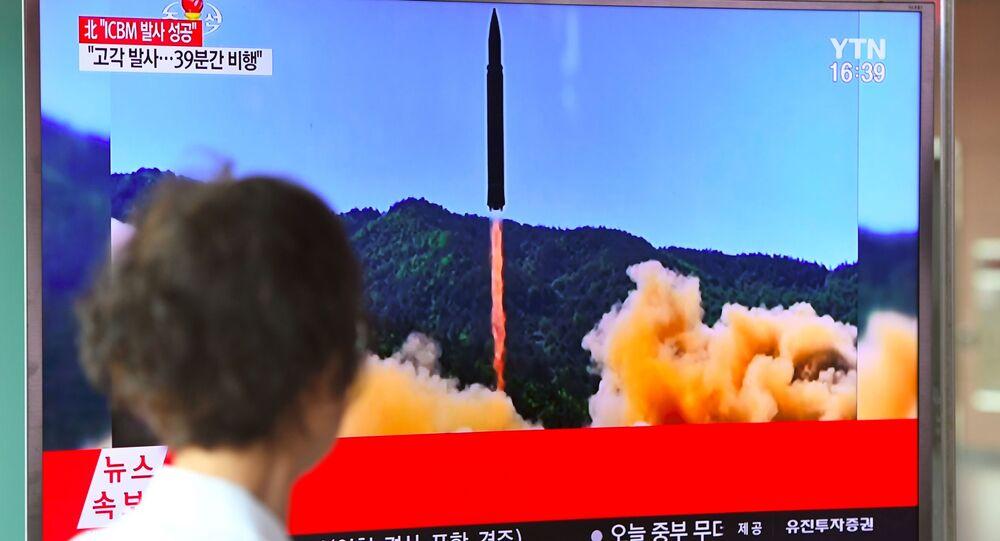 Informacja o wystrzeleniu rakiety balistycznej w KRLD. Na dworcu w Seulu