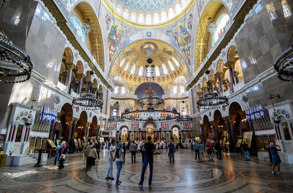 Na symbolicznym rozpoczęciu budowy był obecny w 1903 roku car Mikołaj II i wielu członków carskiej rodziny.