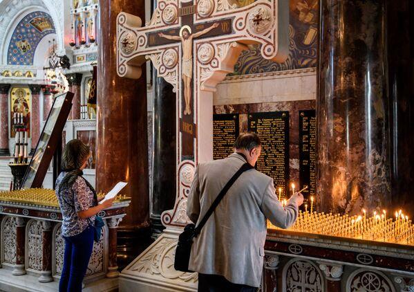 Dziś msze święte w Soborze św. Mikołaja odbywają się codziennie. - Sputnik Polska