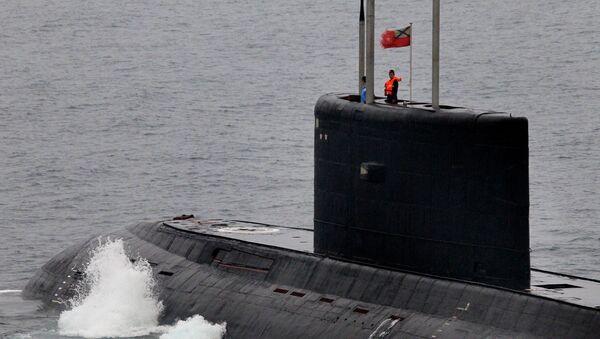 Dieselowy okręt podwodny klasy Warszawianka - Sputnik Polska