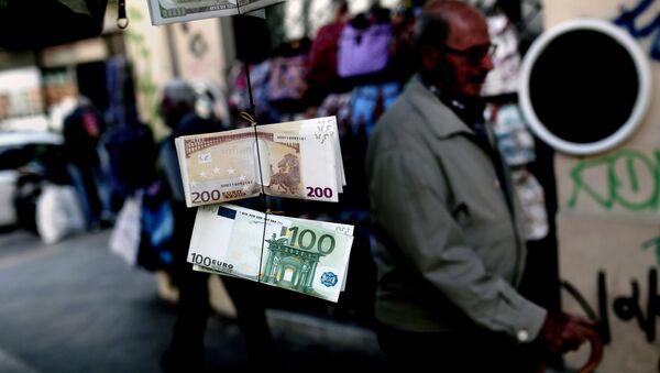 Banknoty euro w Grecji - Sputnik Polska