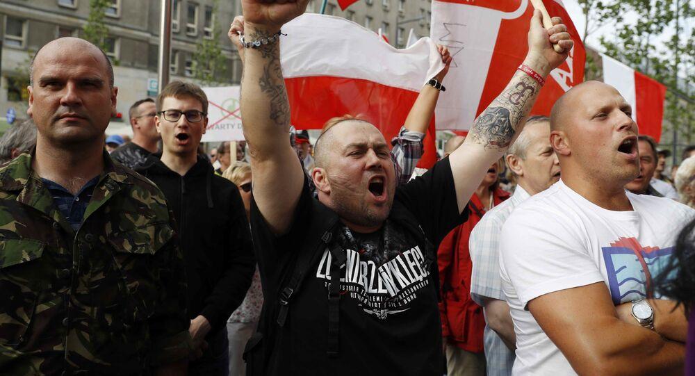 Obóz Narodowo-Radykalny na marszu w Warszawie