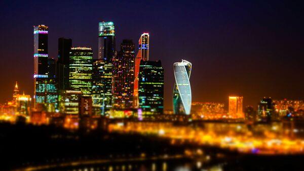 Московский международный деловой центр Москва-Ситипосле отключения подсветки в рамках экологической акции Час Земли в Москве - Sputnik Polska